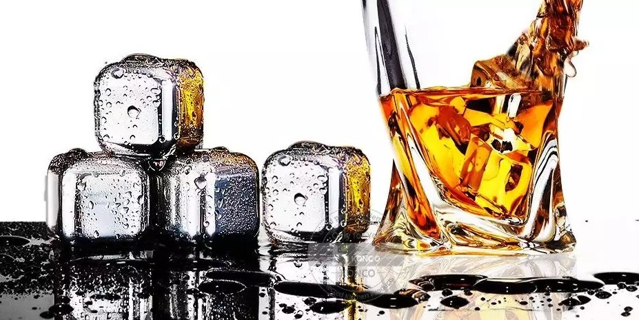 Whiskey ice cubes stainless steel